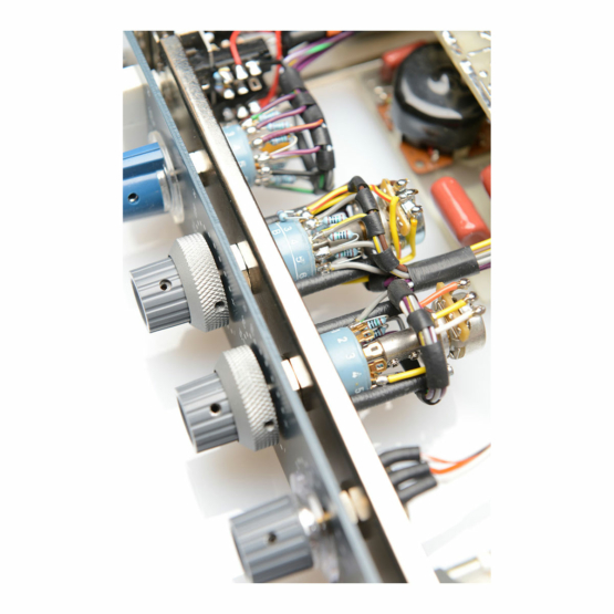 BAE 1032 rackmount detail view 555x555 BAE 1032 rack