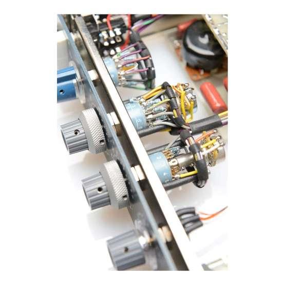 BAE 1066D rackmount detail view 555x555 BAE 1066D rack