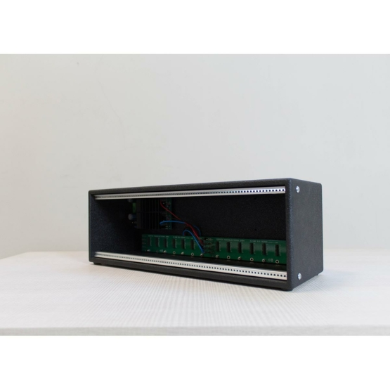 Doepfer A 100lc3 vintage usato angle left view 555x555 Sterling Modular Versa One Bay Rack (usato)