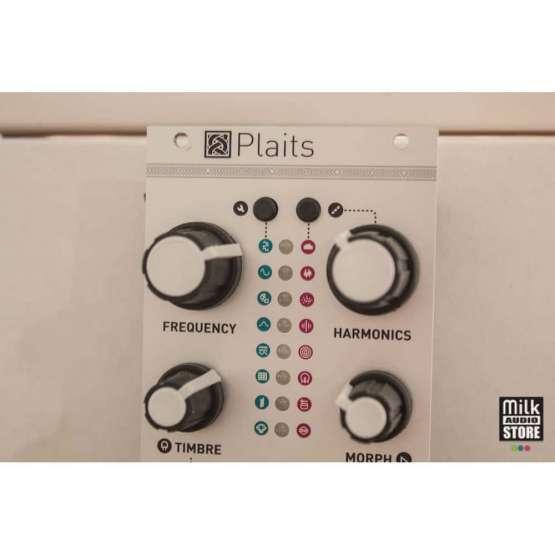 Mutable Instruments Plaits usato detail 555x555 Mutable Instruments Plaits (used)