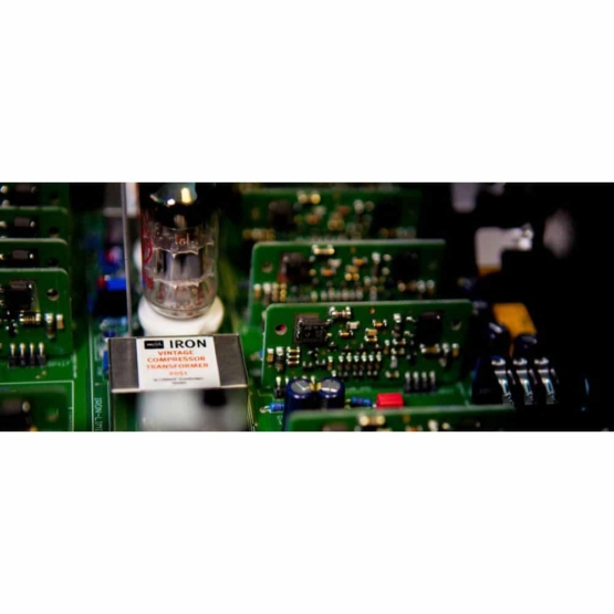 SPL Iron Black transformer view 555x555 SPL IRON (Black)