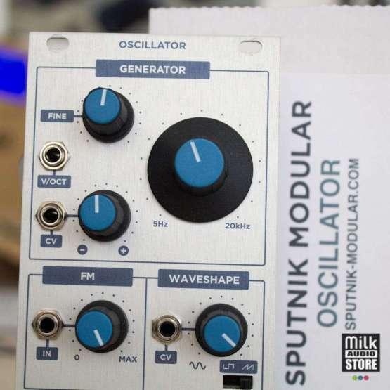 Sputnik Modular Oscillator usato detail 555x555 Sputnik Modular Oscillator (used)