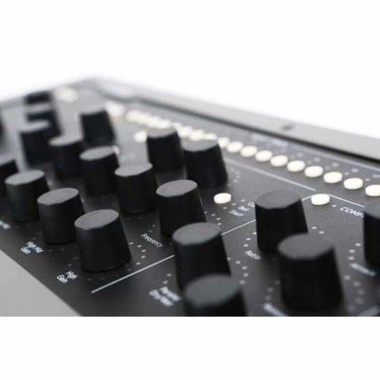 Softube Console1 Mk2 ex demo side detail view 555x555 Softube Console 1 MK2 (Ex Demo)