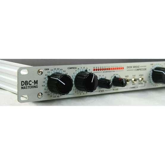 Buzz Audio DBC M Silver angle left zoom 555x555 Buzz Audio DBC M