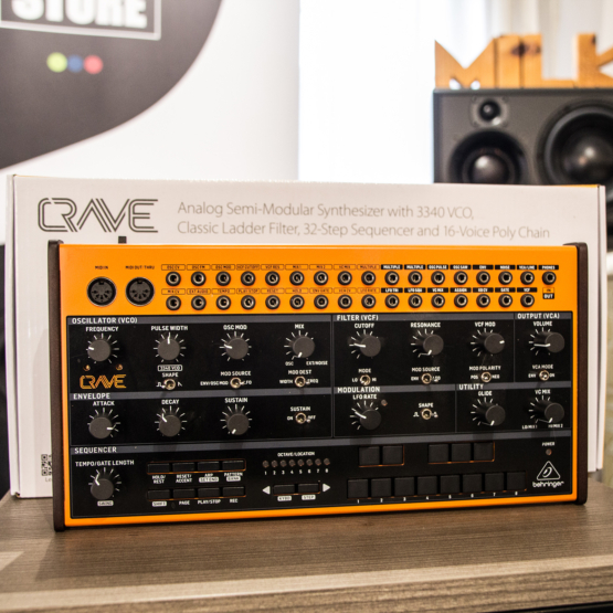 Behringer Crave usato used front angle 555x555 Behringer Crave (used)